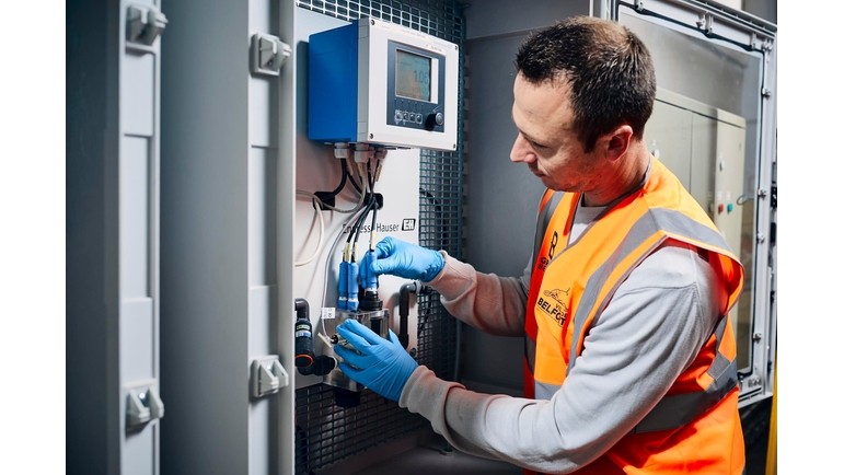 Endress+Hauser offers panel solutions for the monitoring of drinking water treatment processes.